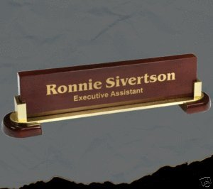 Desk-Name-Plate-In-Rosewood-with-the-Gold-Leaf-Style-Free-Engraving-0