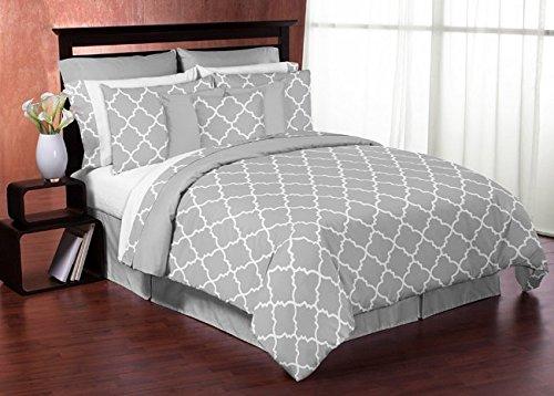 Gray-and-White-Trellis-Print-Lattice-Fabric-MemoryMemo-Photo-Bulletin-Board-0-0